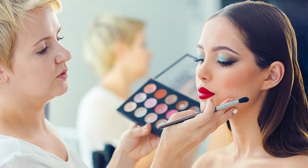 How To Become A Makeup Artist In India